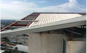 Instalación de cubierta de techo T100