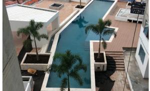 Vista panoramica area de piscina